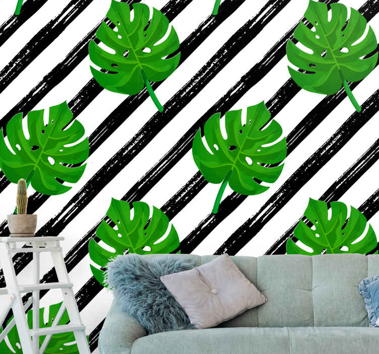 Tenstickers. Pruhované monstera listy príroda fototapeta. Tento konkrétny dizajn prírodnej nástennej maľby je plný zelených listov monstera na pruhovanom bielom a čiernom pozadí. K dispozícii na doručenie domov!