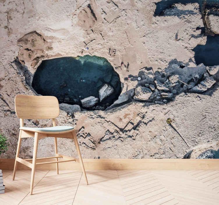TenStickers. Prirodni bazen u zidnom zidu italije. Pogledajte ovaj prirodni zidni zid koji ilustrira prirodno jezero u italiji, s bistrom vodom i kamenjem koje ga okružuju. Dostupna kućna dostava!