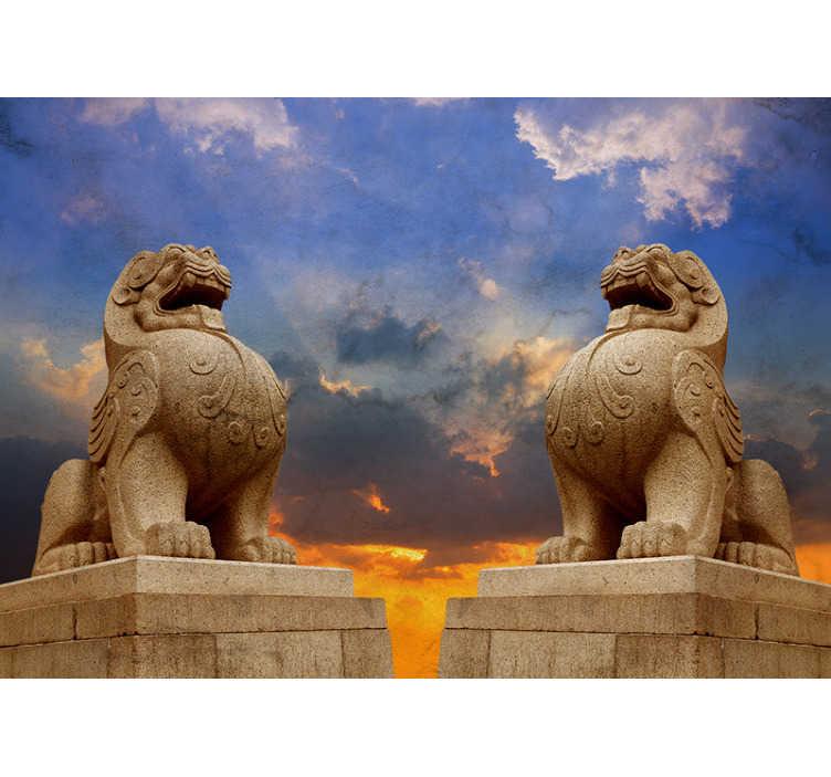 Tenstickers. Nástenná maľba na kamenný lev. Dva levy stojace hrdé na svoje kamene, ozdobené touto orientálnou nástennou maľbou. Tento dizajn, inšpirovaný levmi v Ázii, oživí vaše steny