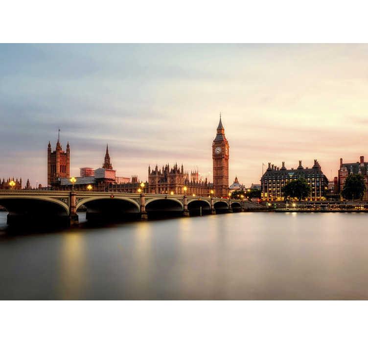 TenStickers. Fotomurais cidades e países Big Ben ao Entardecer. Este fotomural da cidade de Londres é perfeito para decorar a tua casa de forma super original e criativa, com uma vista fantástica para o Big Ben!
