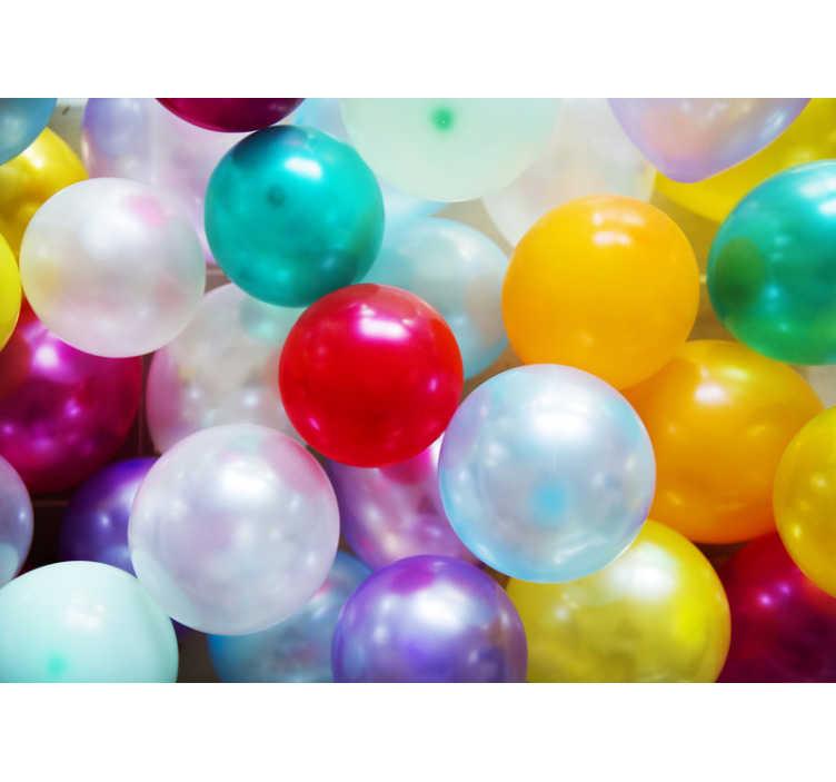 TenStickers. fotomurales per bambini palline colorate. Gli adesivi murali colorati e di alta qualità per i bambini saranno perfetti per le loro stanze. Aggiungi questo accento divertente e innovativo a casa tua.