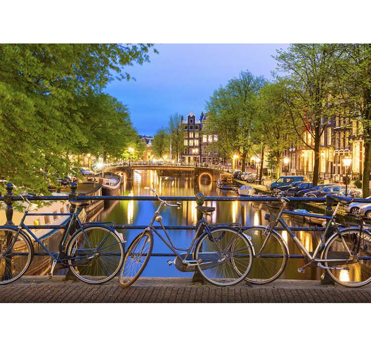 TenStickers. Fototapeta Kanały w Amsterdamie. Kanały w amsterdamie są znane na całym świecie. Zamów tę piękną fototapetę Amsterdam do domu lub firmy!