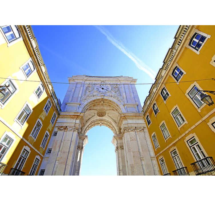 TenStickers. Fotomural de cidades Rua Augusta. Esse fotomural decorativo de cidades mostra o Arco da Rua Augusta, um edifício histórico de na Praça do Comércio, em Lisboa.