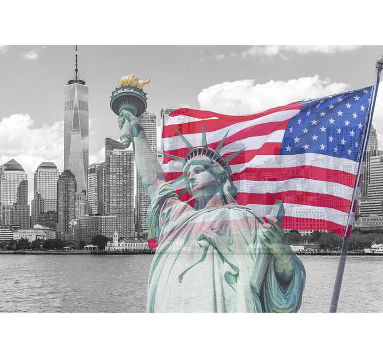 TenStickers. Murale bandiera americana skyline di new york. Questo splendido murale fotografico mostra la bandiera americana in tutto il suo splendore con lo skyline di new york sullo Carta da parati, perfetto per la tua casa!