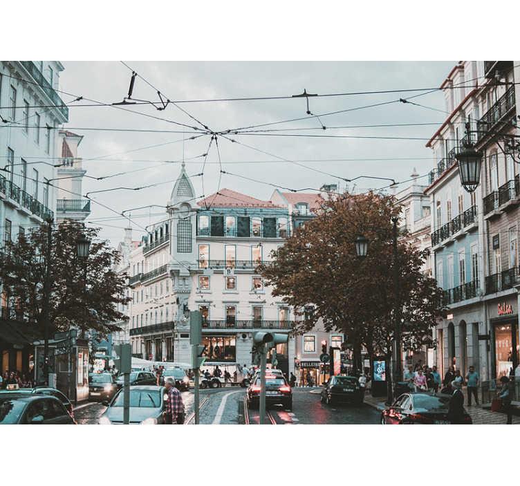 TenStickers. Mural de parede decorativo de lugares Baixa-Chiado. Dê uma olhada neste belo fotomural decorativo de lugares com uma imagem dos edifícios característicos da Baixa-Chiado de Lisboa ficará incrível na sua sala de estar.