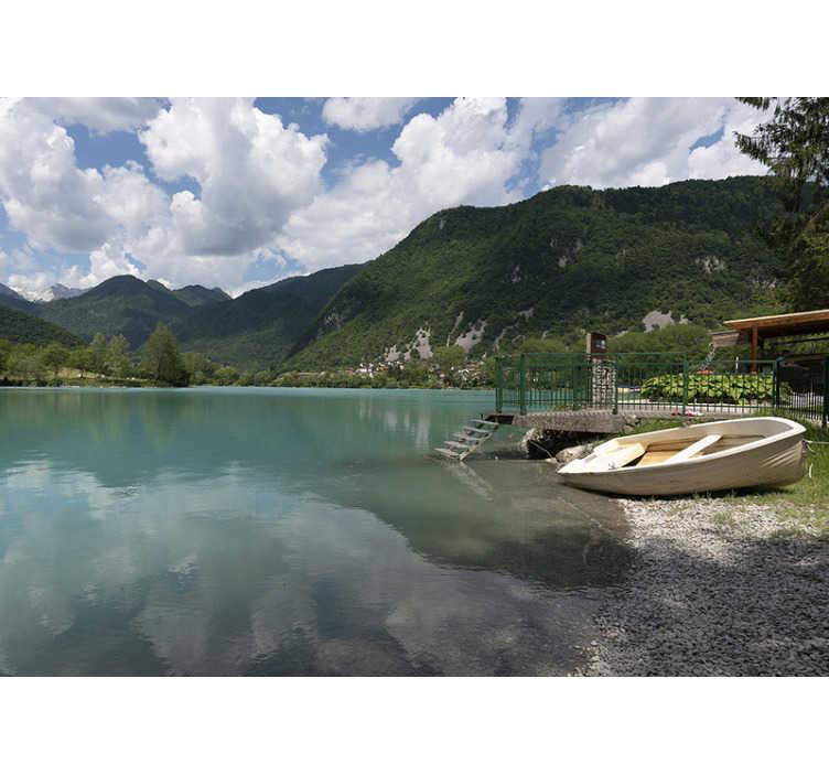 TenStickers. Malba na horském jezeře. Krásná nástěnná malba s jezerem pod zamračenou oblohou je ideální pro vaši ložnici nebo obývací pokoj. Doprava zdarma!