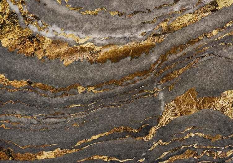 TenStickers. Fotomurale textures Lussuoso murale in oro e marmo blu. Carta da parati con motivo strutturato che ti farebbe domandare dettagli di design astratto. Un lussuoso murale che raffigura un mix di elementi dorati e grigi.