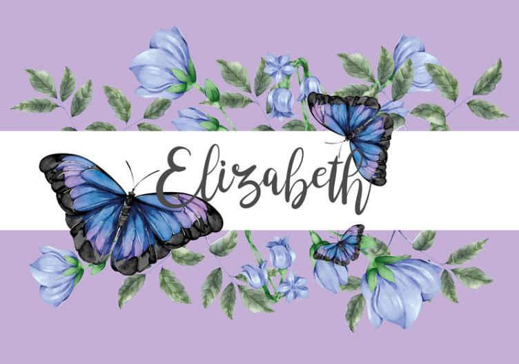 TenStickers. Personalizovaná tapeta na zeď motýla. Motýl fototapeta s obrázkem krásných modrých a fialových motýlů se jménem vašeho dítěte uprostřed na bílém pruhu.