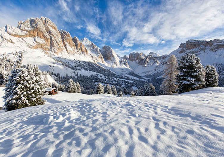 TenStickers. Karlı dağ manzarası fotoğraf duvar resmi. Berrak gökyüzünde karlı bir dağ ile yatak odası için bu duvar resimleri sipariş. Piksel ve ücretsiz teslimat. Artık beklemeyin!