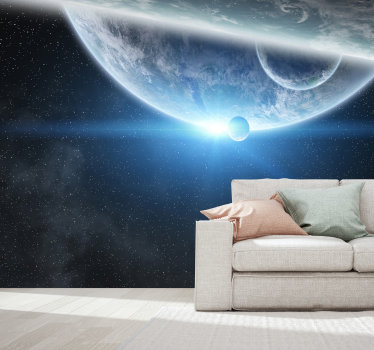 Voel je als een astronaute in je eigen huis. Of het nu uw woonkamer of uw keuken is, waar u deze muurschildering ook wilt toepassen, het is mogelijk.