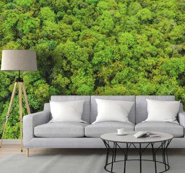 Eine Fototapete aus der Luft, die Ihnen eine breite Oberfläche eines Waldes zeigt und Ihr Haus mit einer wunderschönen Tapete des Waldes dekoriert.