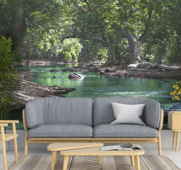 Dit prachtige beeld van een rivier in het bos zal geweldig zijn in uw huis! Ons landschap fotobehang wordt geproduceerd in de exacte maat van uw muur.