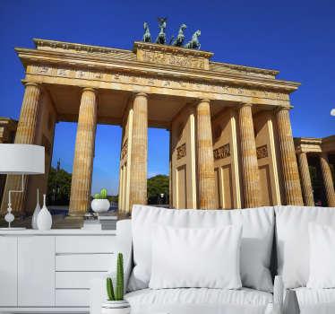 Verlieben Sie sich in diese schöne Architektur - Brandenburger Tor gemalt auf Ihrer Stadt Fototapete. Hochwertiges realistisches Bild!