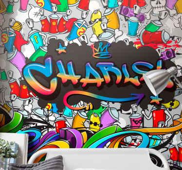 Graffiti fototapeta för tonåringar med ett eget namn. Burk med spray runt en regnbågext som du kan ändra. Vit och svart bakgrund!