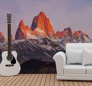 Et fantastisk naturmaleri, der repræsenterer patagonias landskab. Bjerge med delvis iseffekt og smuk atmosfære.