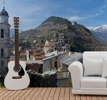 Com este papel de parede fotomural vinílico de cidade nas montanhas você estará apreciando a vista de assentamentos na montanha, um visual típico de uma pequena cidade na montanha.