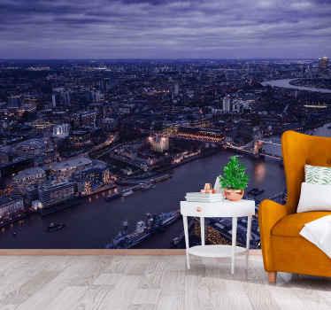 Veggbilde av den opplyste byen london. Hvis du er lidenskapelig opptatt av britisk kultur, se ikke lenger og bestill dette veggmalerifotoet.