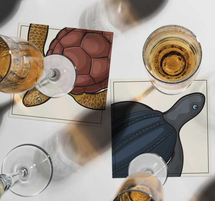 TenStickers. Ensemble de dessous de verre tuiles tortues. Regardez ce dessous de verre cool! Une variété de différents modèles de tortues pour décorer la façon dont votre cœur le désire. Packs de 4, 6 et 8 disponibles!