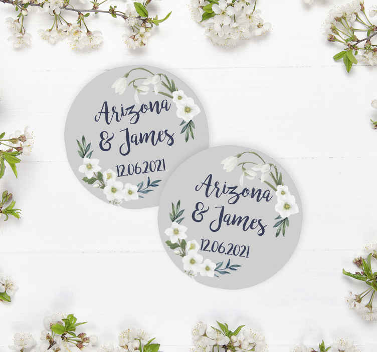 TenStickers. Blomster bryllup tilpasses coaster favoriserer. Blomster bryllup tilpasses bryllup coaster at tilføje det lille ekstra til din specielle dag! Vælg den nøjagtige mængde, du har brug for.