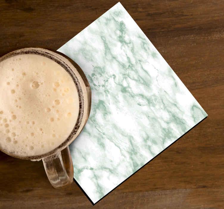 TenStickers. Napitek iz zelenega marmorja. Podstavek iz skodelice za zeleno marmorno teksturo. Zasnova je ustvarjena z realističnim teksturnim videzom zelene površine iz marmorja. Izdelana je iz najboljšega materiala.