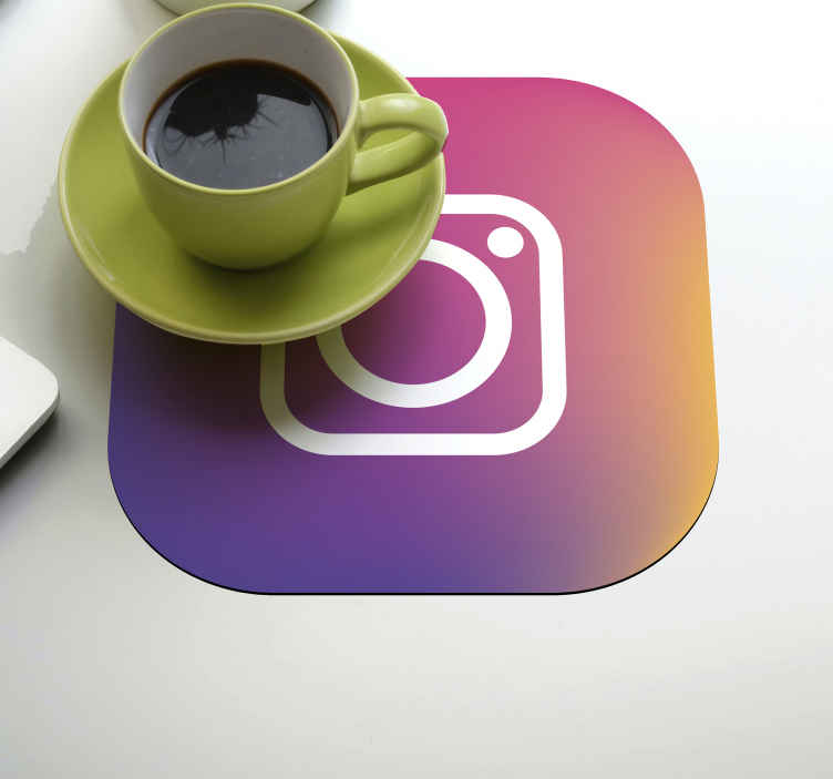 TenStickers. 社交媒体怪异杯垫. Instagram社交媒体标志性徽标杯垫,以时尚的方式组织您的餐桌空间。易于维护和使用。