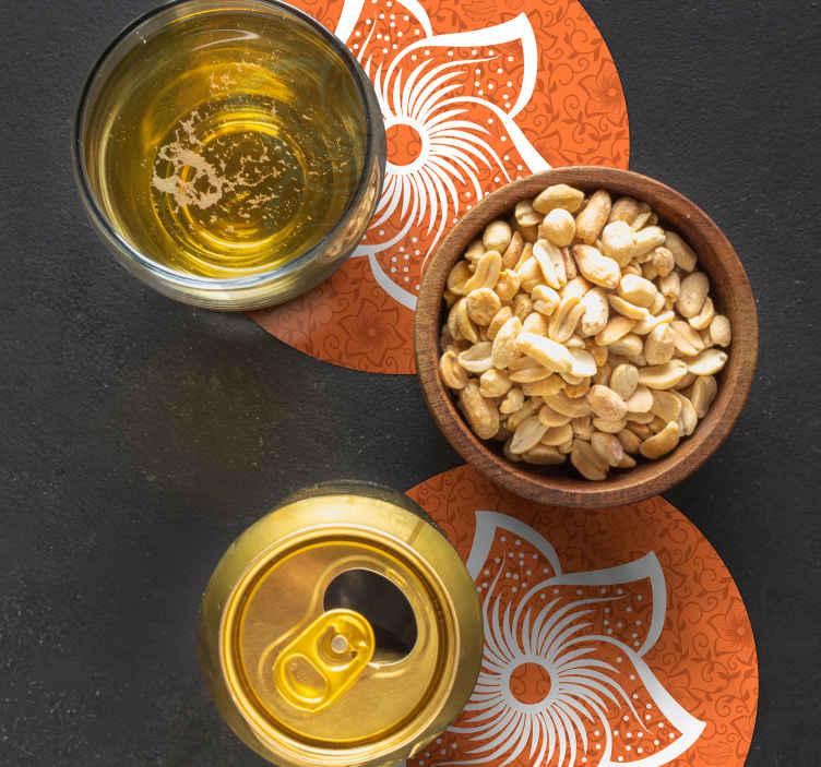 TenStickers. Paisley cvetovi pijejo coaster. Pokažite svoj razred in eleganco s svojo pijačo v našem originalnem okrožju za pijače. Izdelana je iz visoko kakovostnega materiala in enostavna za vzdrževanje.