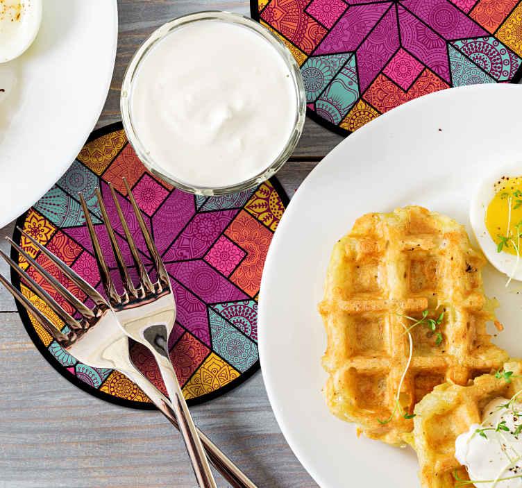 TenStickers. Paisley mosaik drink coaster. Vi har en dejlig flerfarvet stammedriksdesign mønster i geometrisk stil. Det er let at vedligeholde og fås i forskellige pakningsstørrelser.