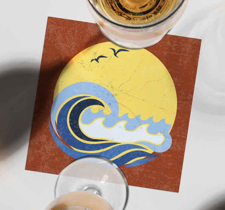 TenStickers. dessous de verre forme vintage Soleil, plage et vague. Le dessous de verre des années 70 est fabriqué à partir des meilleurs matériaux du marché. Facile à nettoyer et à laver, anti-allergique et très durable.