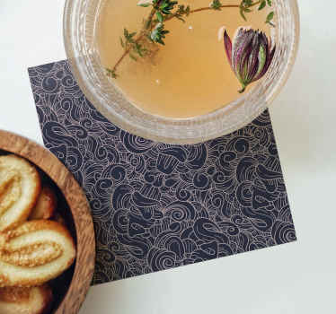 Servez des boissons avec notre sous-verre original avec un motif de fleurs ornementales sur un fond de couleur subtile. Il est facile à entretenir et à stocker.
