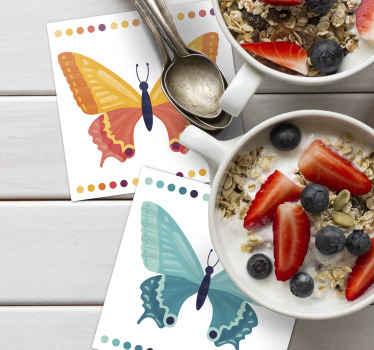 Hermoso posavasos rectangular con forma de mariposa colorida que puedes tener en diferentes colores. Apto para hogar y espacio de restaurante.