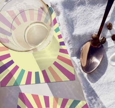 Ensemble de dessous de verre géométriques originales des années 70 dans de nombreuses couleurs pour donner à votre table à manger un aspect fantastique. Entretien facile avec juste un chiffon, de l'eau et du savon.