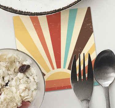 Giv dit bord et unikt præg med denne abstrakte solnedgang fra 70'erne, meget holdbar og modstandsdygtig, bestil det nu! Hjemmelevering!