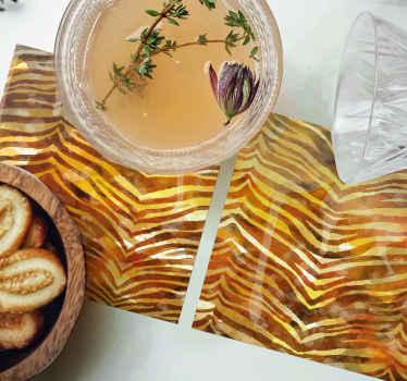 这款出色的斑马纹餐垫为您的餐桌增添了一抹色彩!它由一组餐垫组成