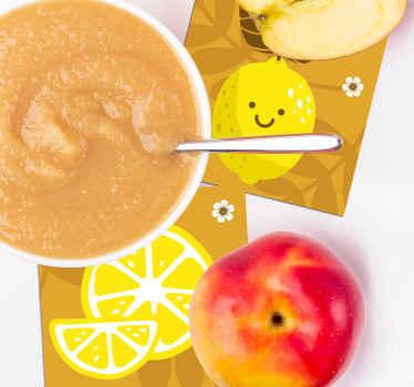 Ensemble de sous-verres de citron qui comprend un ensemble de sous-verres avec des citrons de dessin animé sur eux en souriant.