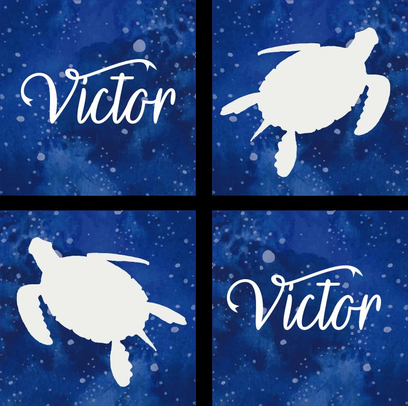 TenStickers. 定制乌龟银河图案个性杯垫. 这是一款个性化的动物过山车,给您的客人留下深刻的印象!您的姓名可以添加到此杯垫中以创建自定义产品!