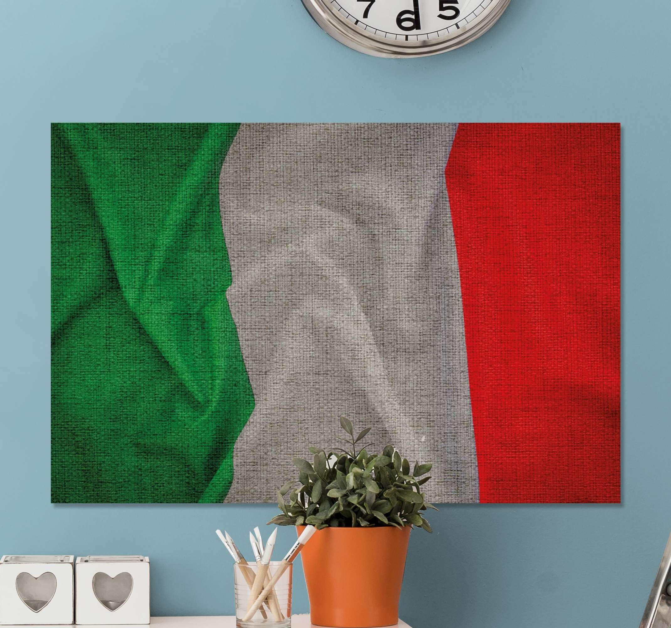 TenStickers. 意大利国旗城市天际线打印. 从我们在线订购我们最优质的意大利国旗帆布印花,并在几天之内和完美的状态下将其送到您的地址。