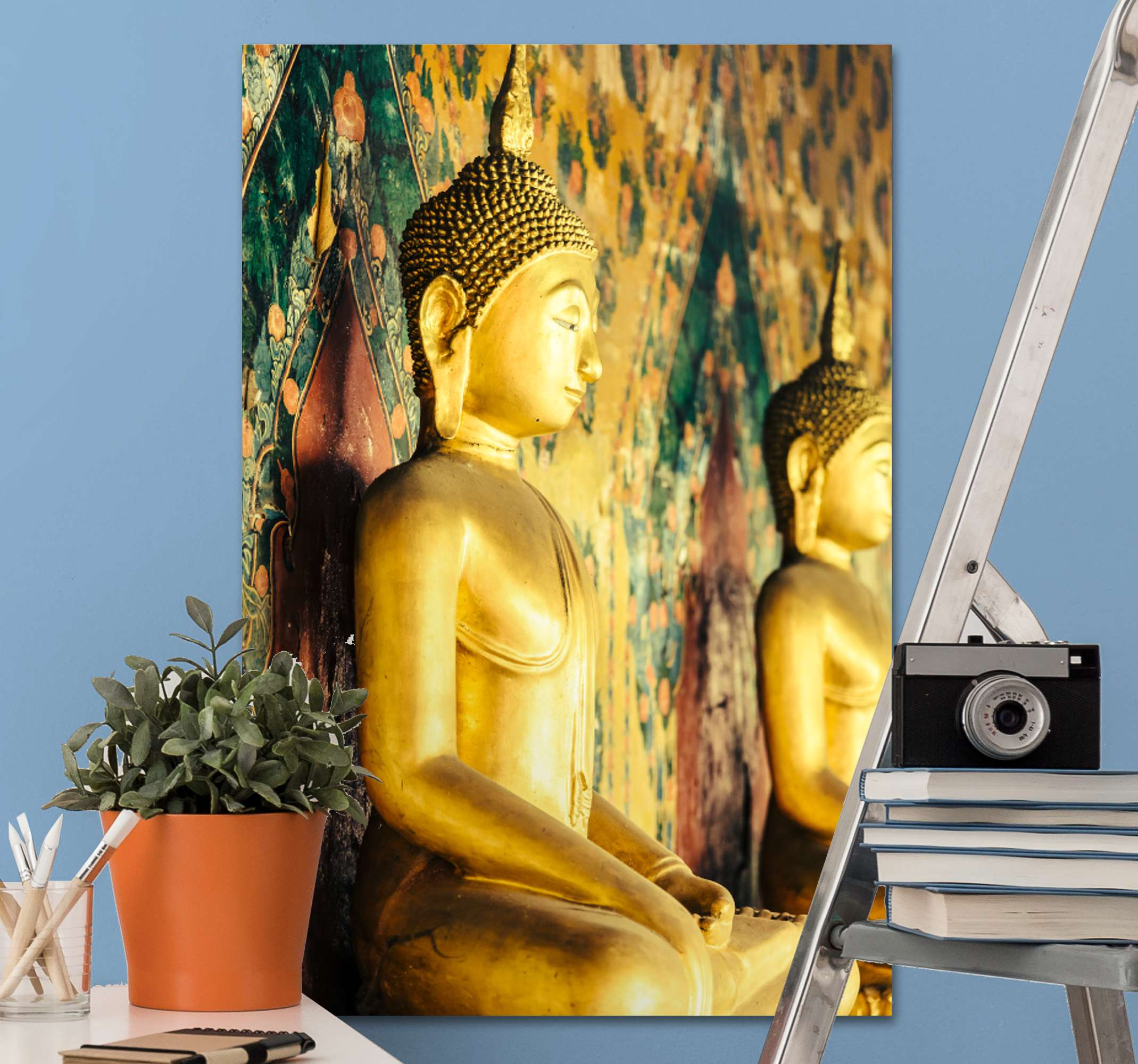 TenStickers. budas perfil buddha wall canvas. Amazing golden design of an canvas with buda perfil. Immerse yourself in the ancient budda tempel and have this amazing canvas in your room.