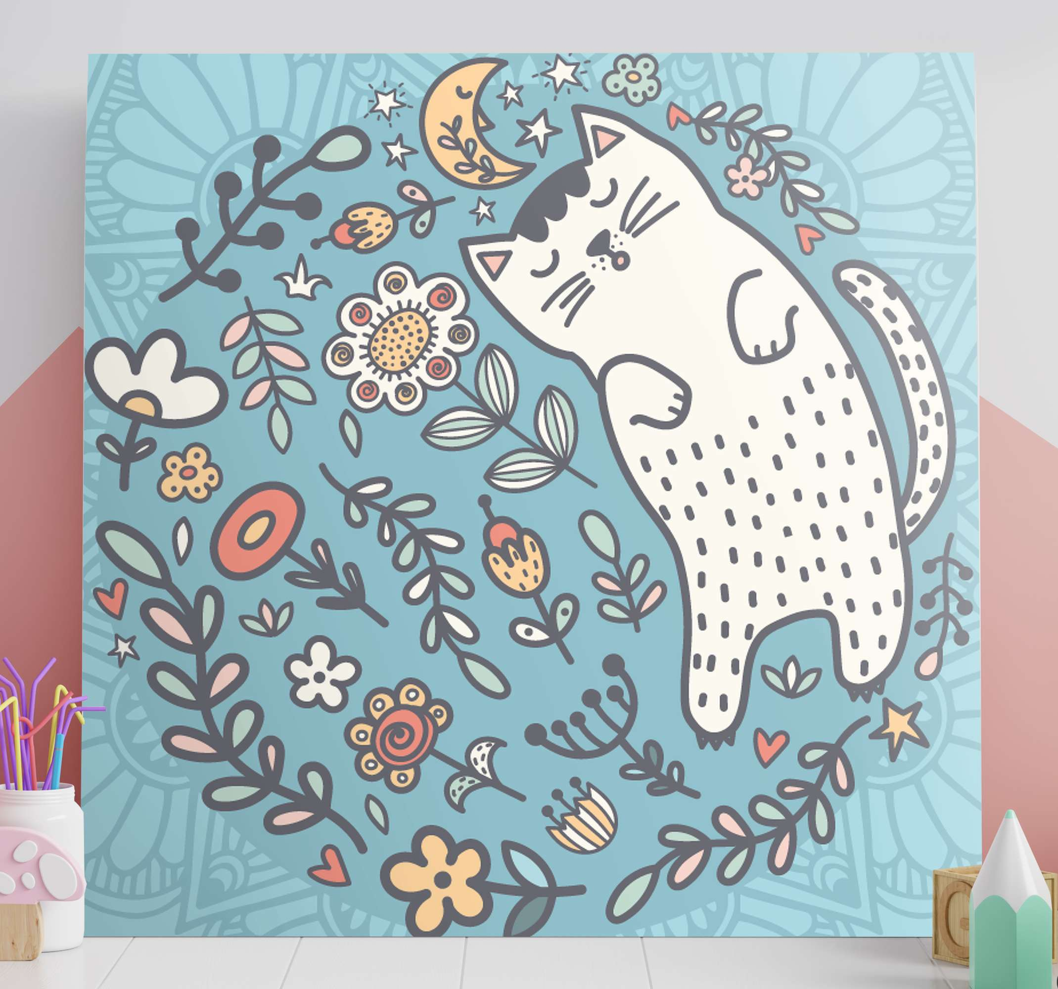 TenStickers. 可爱的猫曼陀罗印花墙艺术. 苗圃帆布印花,上面有一圈美妙的花朵和叶子,还有一只大猫在睡觉。全球交付。