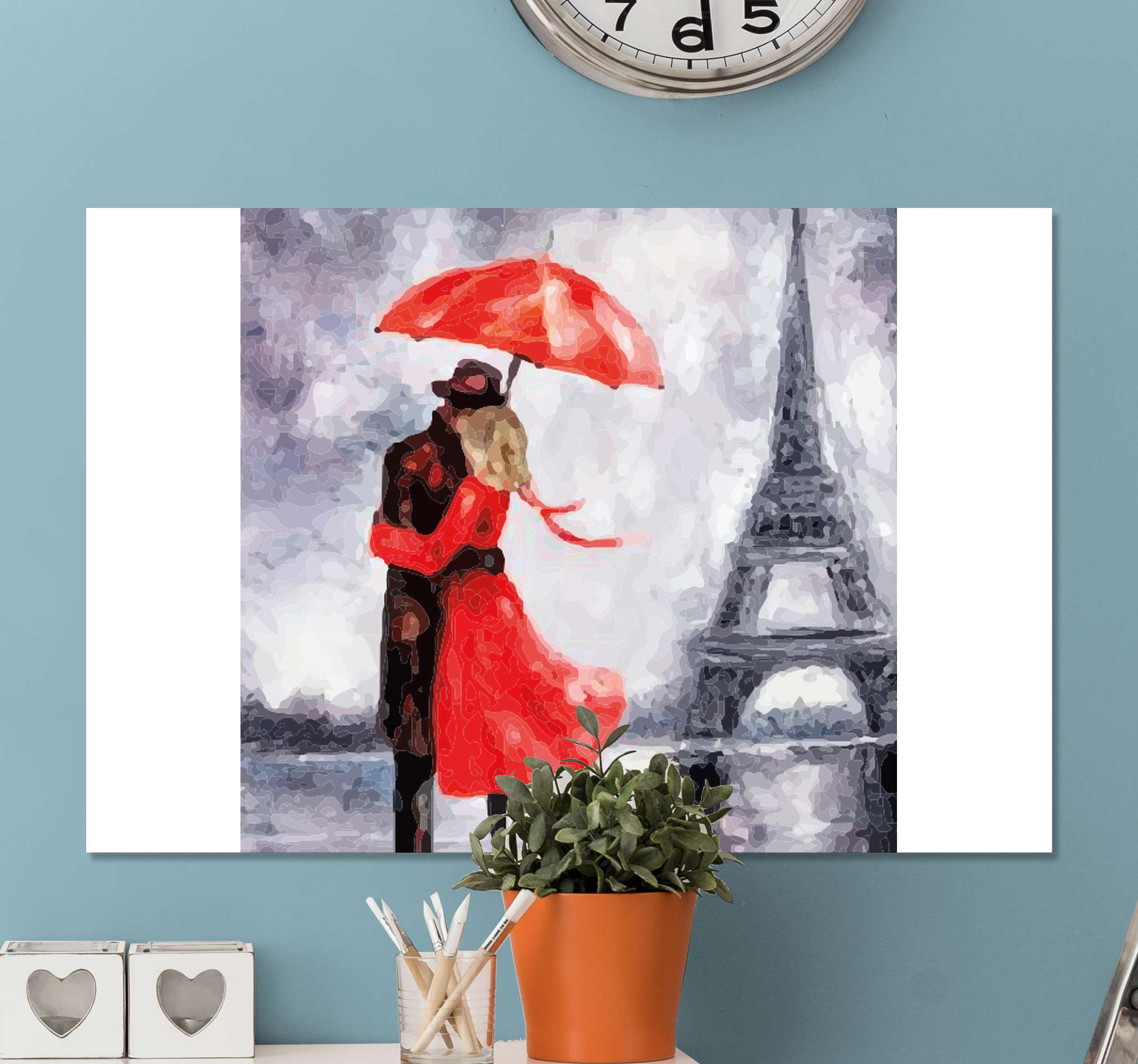 TenStickers. Personas enamorados en Torre Eiffel  canvas prints. Canvas print with a couple kissing in the rain. Easy to hang on the wall. Made of the best quality materials. Check it out!
