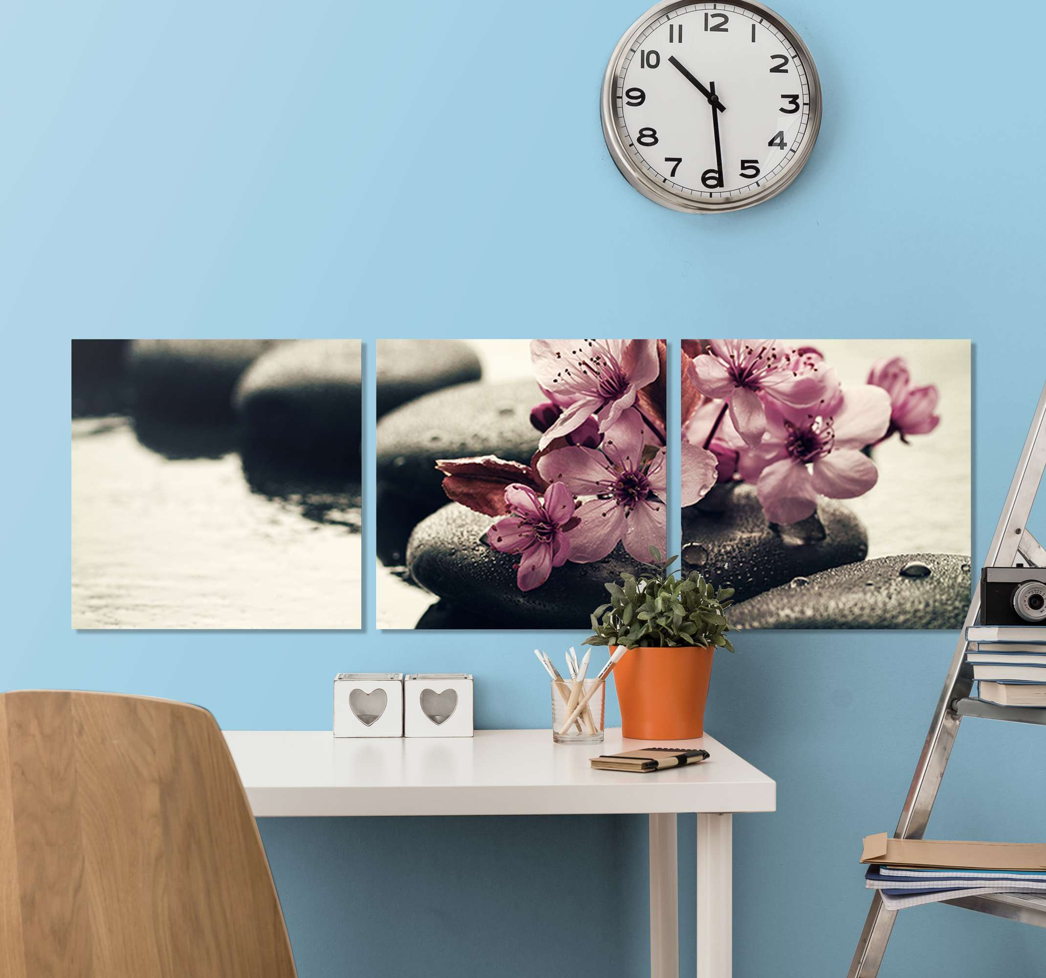 TenStickers. Zen flowers in water floral canvas. Lovely flowers in water canvas from our collection of Zen canvas print. Suitable to decorate a living room, office and other spaces.