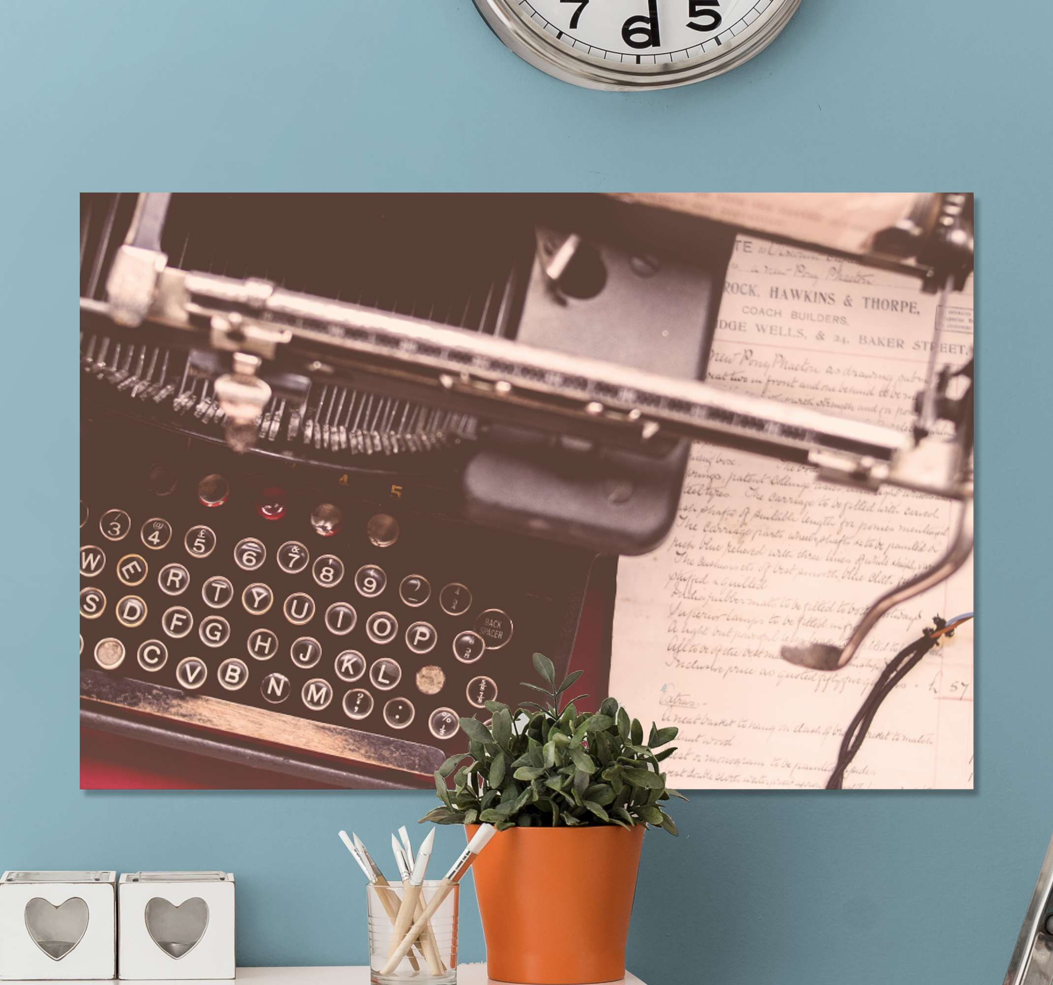 TenStickers. Phone and typewriter vintage wall prints. Upgrade your room or space with a vintage look and effect with this retro typewriter retro canvas art. Made from quality material and it is durable.