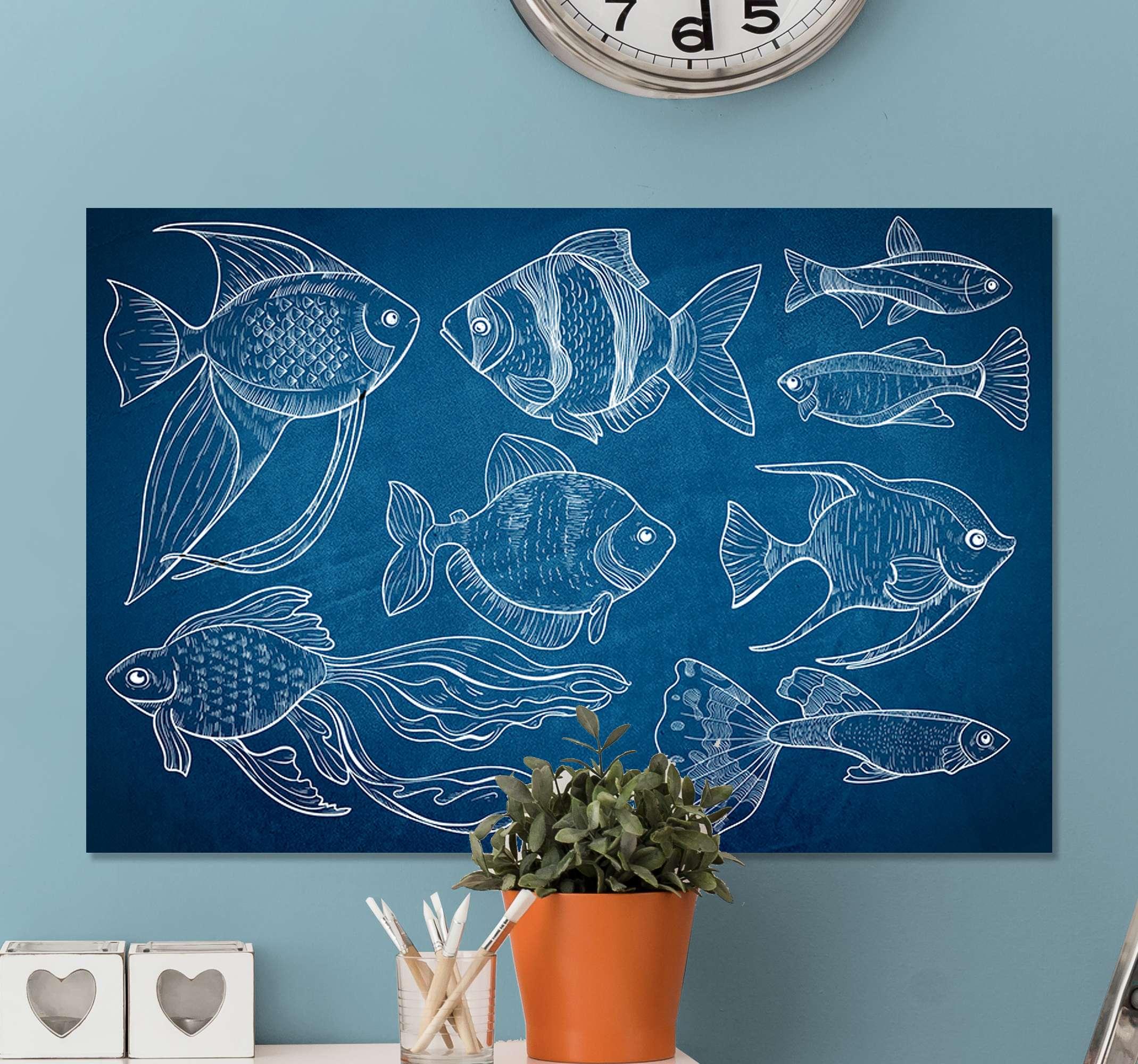 TenStickers. 海洋鱼浴室墙艺术画布. 代表不同海洋鱼类的简单浴室帆布艺术设计。背景为深蓝色,描绘出深海的色彩。