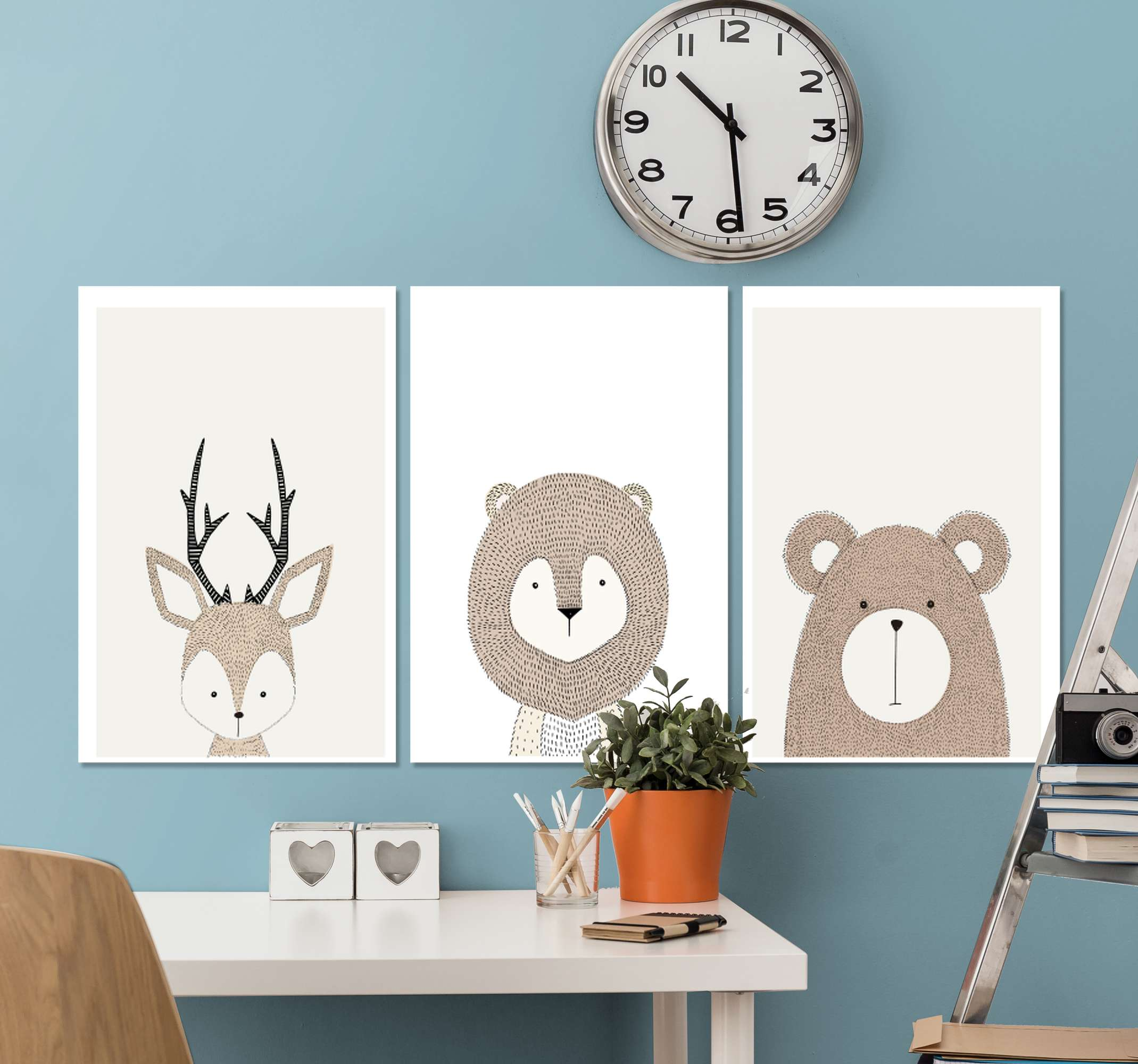 TenStickers. Triptych animal bedroom bedroom canvas art. A three canvas art with different cartoon animals illustration design. It is printed in high quality finish, super durable and easy to hang.