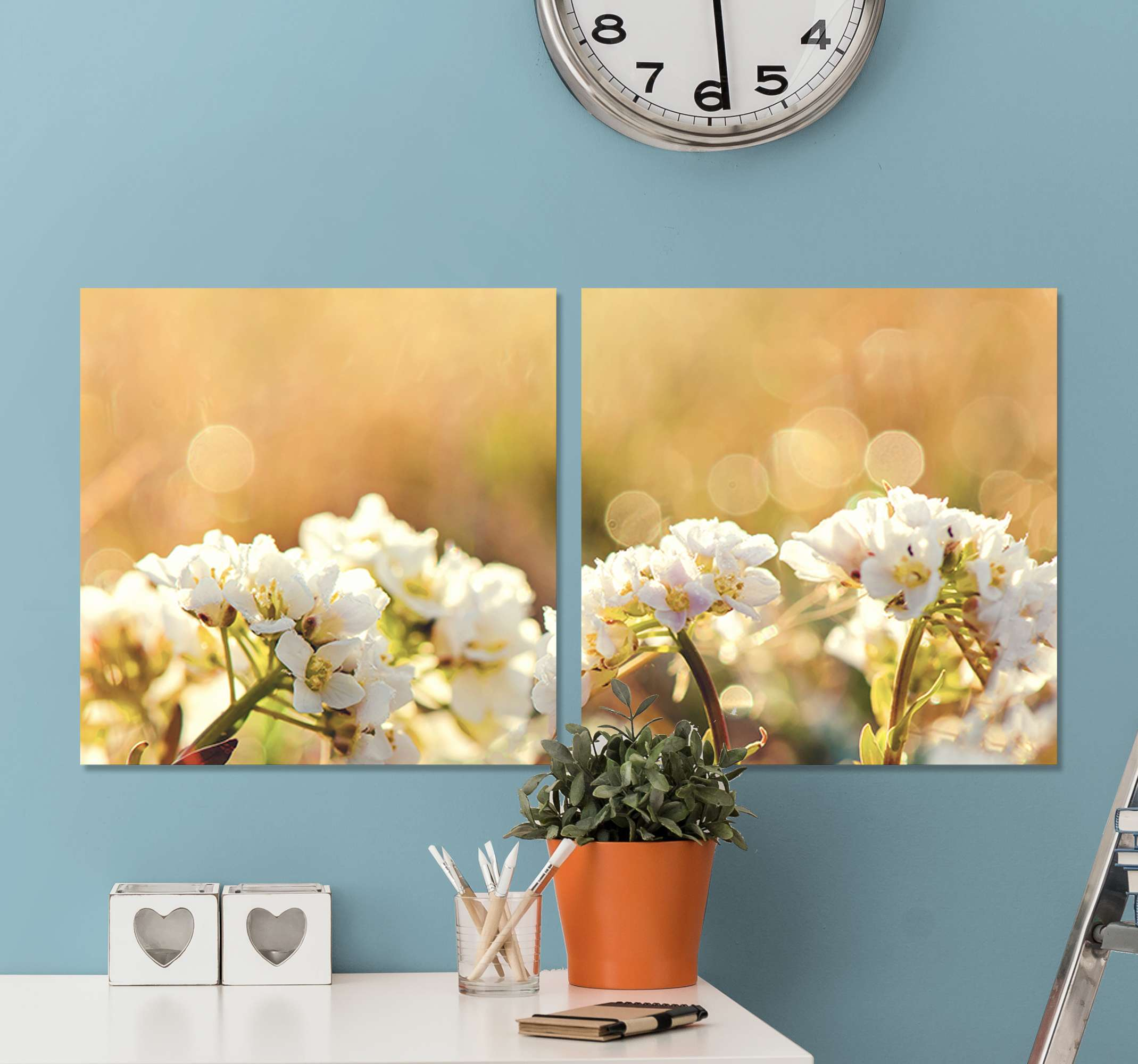 Tenstickers. Hvite blomster veggavtrykk til stue. Vakkert hvitt blomsterbilde lerret - du kan dekorere dette lerretet på hjemmet ditt, til kontor, forretning, spa og andre steder.