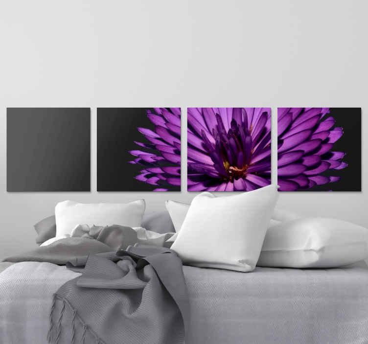 TenStickers. Canvas paarse bloem op zwarte achtergrond . Moderne paarse bloem canvas schilderij voor thuis, kantoor en andere ruimte decoratie. Het is origineel en bedrukt met een hoogwaardige afwerking.