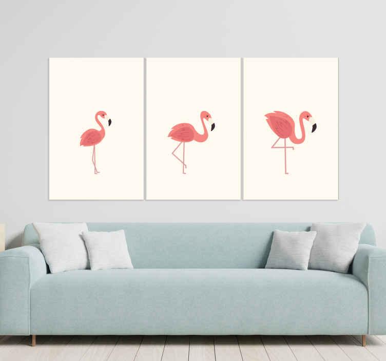 TenStickers. ταπετσαρία φλαμίνγκο rosas για καθιστικό. αυτός ο όμορφος καμβάς του καθιστικού αντιπροσωπεύει τρία ροζ φλαμίνγκο σε λευκό φόντο. κομψό και κομψό αλλά και μοντέρνο. Αγόρασέ το τώρα!