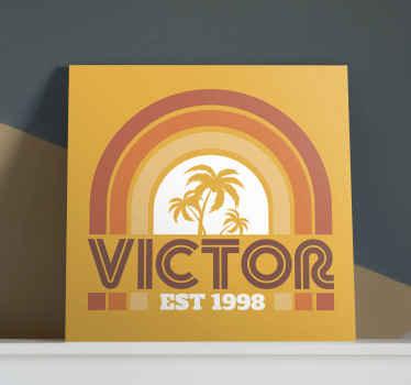 Impressions sur toile rétro coucher de soleil et palmiers des années 70. La toile est personnalisable avec votre propre texte et elle est agréable pour décorer n'importe quel espace de votre choix.