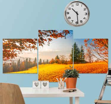 Et vakkert landskap lerretstrykk som illustrerer høsten. Høstlandskapets sammensetning er trykt på tre lerreter for detaljuttrykk.