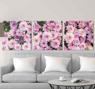 Ružová kvetinová plátna, na ktorej je krásny obraz poľa ružových kvetov. Zaregistrujte sa s 10% zľavou. Vysoko kvalitné materiály.