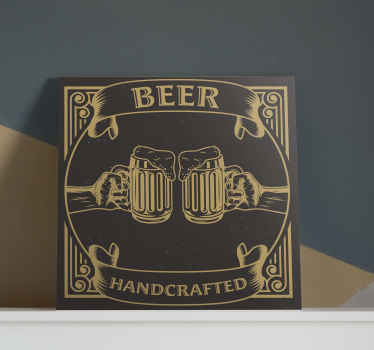εκτύπωση καμβά με μπύρες μπύρας. το σχέδιο παρουσιάζει δύο μπύρες μπύρας σε σκούρο καφέ ψησταριά. κατασκευασμένο από υλικά υψηλής ποιότητας.